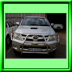 TOYOTA HILUX WRAP AROUND STAINLESS STEEL BULL BAR